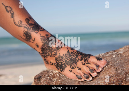 henna tattoos auf die f e stockfoto bild 59024216 alamy. Black Bedroom Furniture Sets. Home Design Ideas