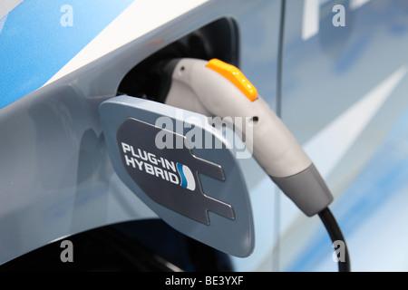 63. internationalen Automobil-Ausstellung (IAA): Elektro-Adapter von einem Toyota Pkw mit Hybride Antrieb - Stockfoto