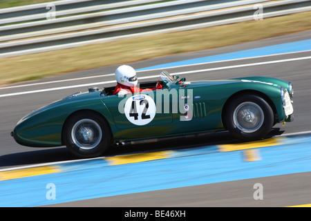 Motorsport-Legenden - MG MGB Le Mans (1964) 24 Stunden von Le Mans-Rennstrecke - Stockfoto