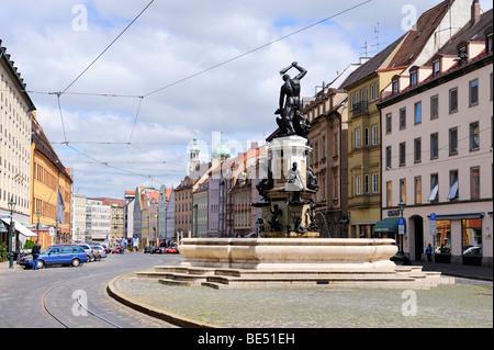 Der Herkulesbrunnen-Brunnen in der Altstadt von Augsburg, Bayern, Deutschland, Europa - Stockfoto