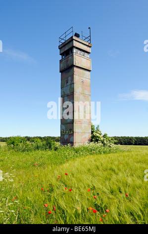 Beobachtungsturm der DDR an der ehemaligen innerdeutschen Grenze, Katharinenberg, Wendeleben, Thüringen, Deutschland, - Stockfoto