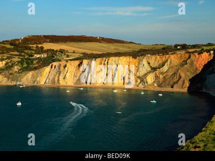 Die farbigen Sand der Alum Bay, Isle Of Wight, England, UK. - Stockfoto
