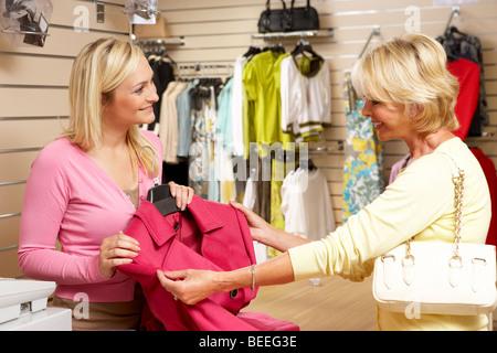 Verkäufer kundin flirten