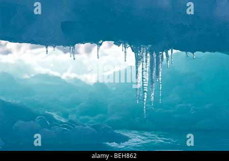 Spitzbergen, Svalbard, Eiszapfen auf Packeis in der Nähe von Edgeoya - Stockfoto