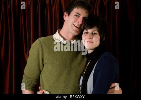 Glückliches junges Paar - Stockfoto