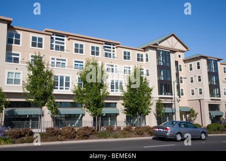 Gemischte Nutzung Wohnsiedlung (Mehrfachverwendung). Wohn-Eigentumswohnungen und Büros, Verkaufsflächen. Park-Broadway, - Stockfoto