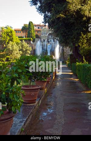 Villa d ' Este, Tivoli, Italien. Brunnen von Neptun und die Orgel Wasserfontäne. - Stockfoto