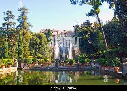 Villa d ' Este, Tivoli, Italien. Brunnen von Neptun und die Wasserfontäne Orgel - Stockfoto