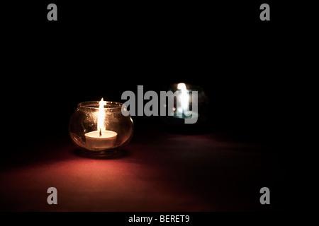 Kerzen in Gläsern - Stockfoto