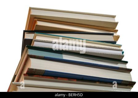 Hohe Stapel von Hardcover-Büchern Stockfoto