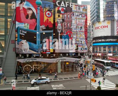 Ziel Plakatwand in Times Square New York City - Stockfoto