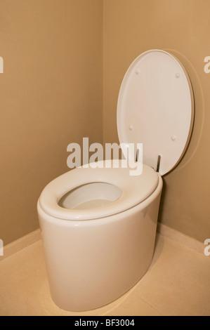 Vogelperspektive Blick auf einer Toilette im Badezimmer - Stockfoto