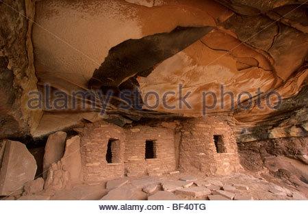 Gefallenen Dach Anasazi Ruinen, Cedar Mesa Bereich, Utah - Stockfoto