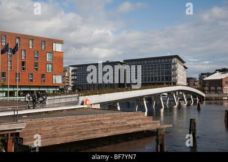 Norwegen Trondheim Baklandet Bryggen Brücke - Stockfoto