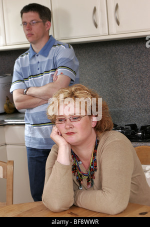 Deprimiert paar, depressiv, Beratung, Porträt von traurig aussehende paar - SerieCVS417399d - Stockfoto