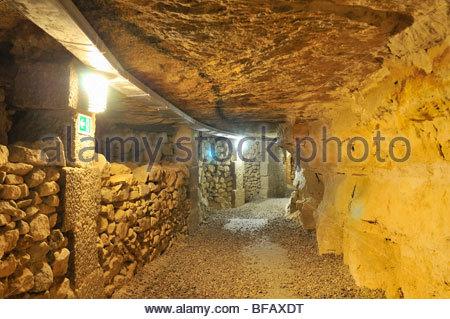 Unter Den Stra En von Paris, e Che, Katakomben - unter den Straßen von Paris, Steinbrüche, Katakomben - Stockfoto
