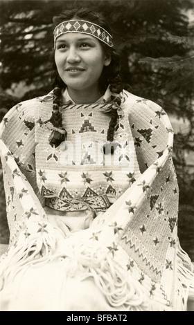 Native American Inderin in der einheimischen Tracht - Stockfoto