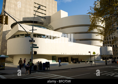 Frank Lloyd Wright Meisterwerk, Solomon R. Guggenheim Museum, 2009 renoviert, Museumsmeile, 5th Avenue, New York - Stockfoto