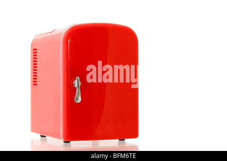 Kleiner Kühlschrank Rot : Glänzend hell rot mini kühlschrank stockfoto bild: 26874646 alamy