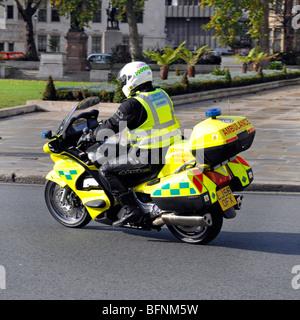 London Ambulance Service Sanitäter auf Motorrad - Stockfoto