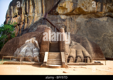 Sigiriya, Sri Lanka. Der Löwe Pfoten. - Stockfoto