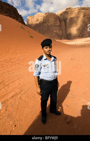 Aussichten und Landschaften der südlichen Wüste von Jordanien bekannt als Wadi Rum - Stockfoto