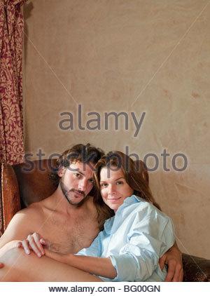 paar in alten Stuhl - Stockfoto