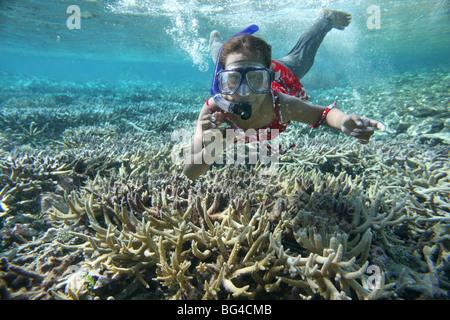 Tuvalu-Insel im Pazifischen Ozean droht in den nächsten 50 Jahren aufgrund des Meeresspiegels verschwinden. - Stockfoto