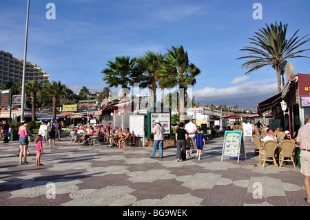 Cafés im Freien am Strand promenade, Playa del Ingles, San Bartolome de Tirajana Gemeinde Gran Canaria, Kanarische - Stockfoto
