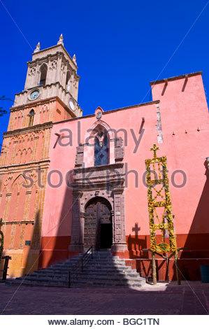 Die Kirche von St. Michael der Erzengel, Plaza Principal, San Miguel de Allende, Bundesstaat Guanajuato, Mexiko - Stockfoto