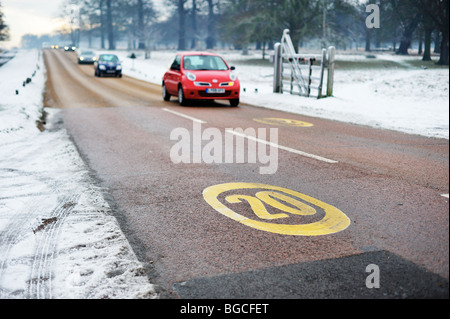 20 km/h Höchstgeschwindigkeit in Richmond Park, Surrey, England, UK - Stockfoto