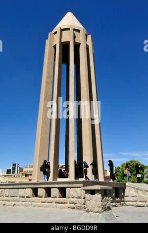 Mausoleum der berühmte persische Arzt Abu Ali al-Husayn ibn Abdallah ibn Sina, Abu Ali Sina, Ibn Sina, Avicenna, - Stockfoto
