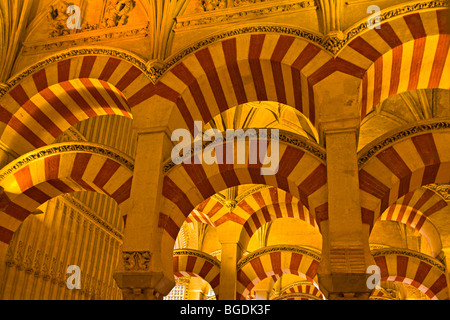 Schiffe der Almansur (Gänge von Almanzor) auf die Mezquita (-Moschee-Kathedrale), Córdoba, UNESCO-Weltkulturerbe, - Stockfoto