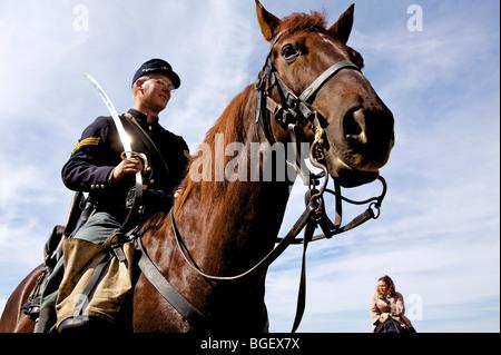 Dressing im Zeitraum 1800-Outfits während der Morgan Horse-Powered Feldtag in Deerfield Wisconsin Bauernhof. - Stockfoto