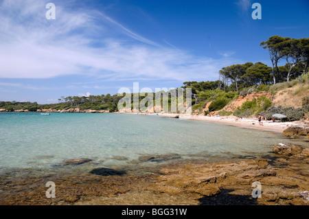 Sandy Beach oder Plage De La Courtade, Île de Porquerolles oder Insel, Îles d'Hyères, Var, Côte d ' Azur, Frankreich - Stockfoto