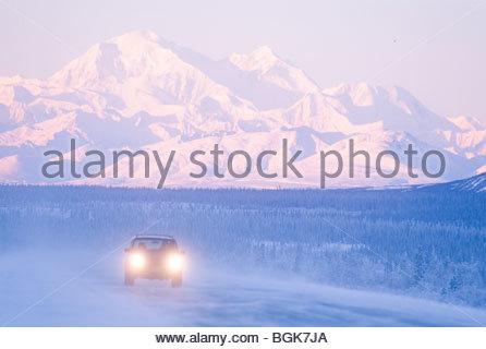 Alaska-Parks-Highway nach Süden in Richtung Denali im Winter. - Stockfoto