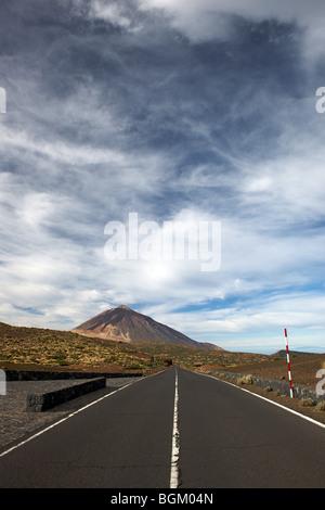 Weg zum Berg Teide, Teneriffa, Kanarische Inseln, Spanien - Stockfoto