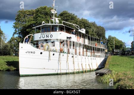 Alten Fluss Dampferfahrt M/S Juno, Göta Kanal, Schweden. - Stockfoto