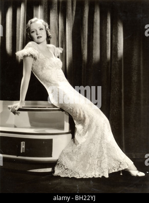 Schauspielerin Nancy Carroll im Art Deco-Kleid - Stockfoto