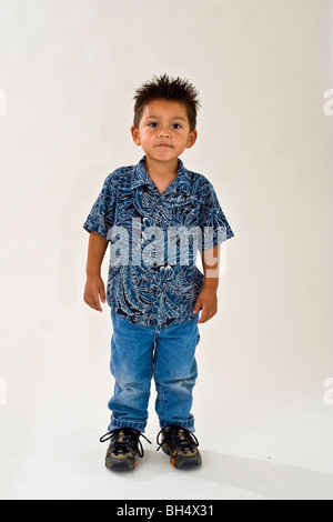 Little boy Hispanic 3-4 Jahre alter Junge. Ethnische multi Rasse warten Fragen, Herr © Myrleen Pearson - Stockfoto