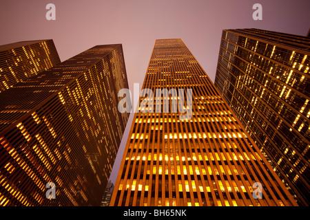 USA, New York City, Manhattan, Hochhäuser entlang der Sixth Avenue Stockfoto