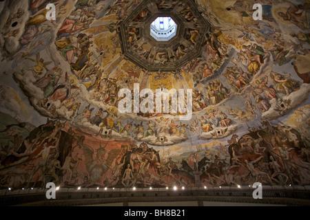 Nachschlagen in der Kuppel der Santa Maria Del Fiore (Kathedrale von Florenz), Italien - Stockfoto