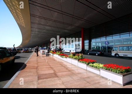 Terminal 3 am Flughafen Peking, China - Stockfoto
