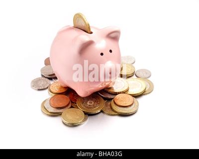 Sparschwein auf Münzen des Pfund sterling - Stockfoto