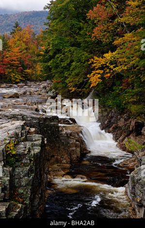 Felsenschlucht Wasserfall auf dem Swift River in den White Mountain National Forest im Carroll County, New Hampshire - Stockfoto