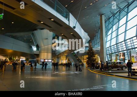 BMW Welt und Museum Innenraum Olympiazentrum München Bayern Deutschland Europa - Stockfoto