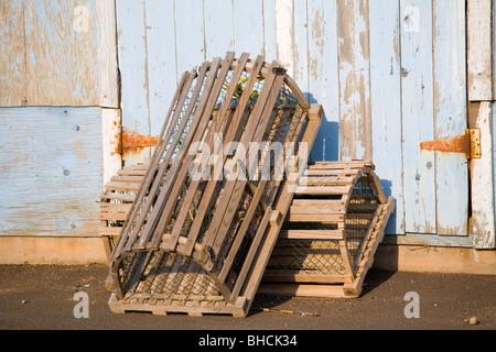 Hummer fallen am Kai sitzen. - Stockfoto