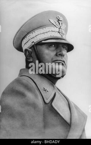 Mussolini, Benito, 29.7.1883 - 28.4.1945, italienischer Politiker, Porträt, als Erster Marschall des italienischen - Stockfoto