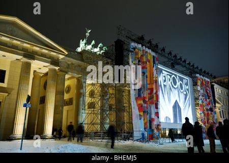 Premiere des rekonstruierten ursprünglichen Schneiden von Fritz Langs Metropolis am Pariser Platz; Berlin, Deutschland - Stockfoto