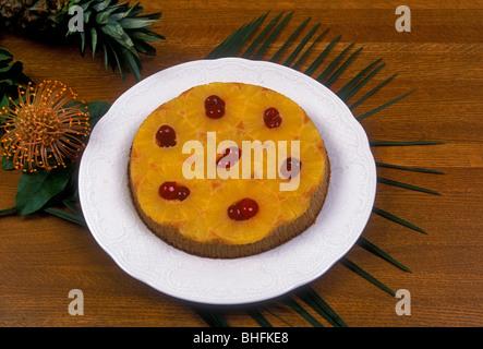 Kirschtorte ein l'ananas, Upside-down Ananas-Kuchen, Ananas-Kuchen, französische Dessert, französische Küche, französisches - Stockfoto